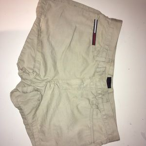 Tommy beige shorts
